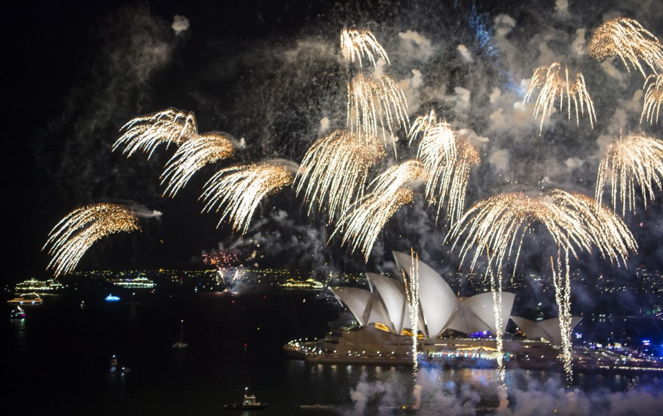 AUSTRALIA DAY ENDS IN SYDNEY WITH FIREWORKS OVER THE OPERA HOUSE