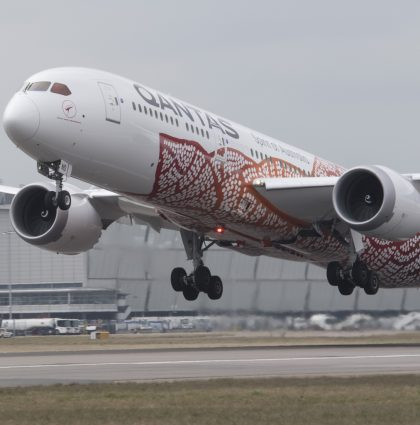 Qantas – First direct flight from Australian to London